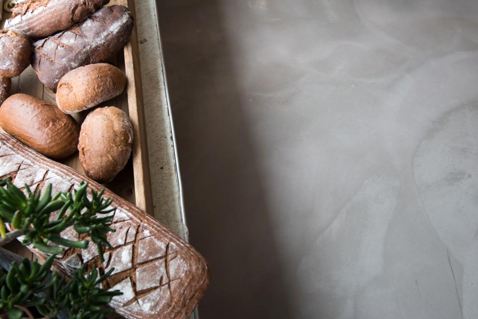 Fugenlose MMA Bodenbeschichtungen in Bäckereien dank Reaktionsharzen